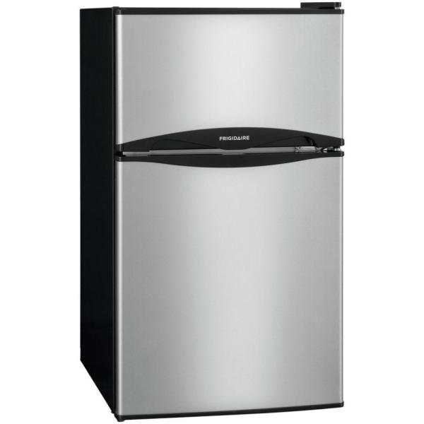 Compact appliances ideal for a small apartment kitchen for Small dishwashers for small kitchens