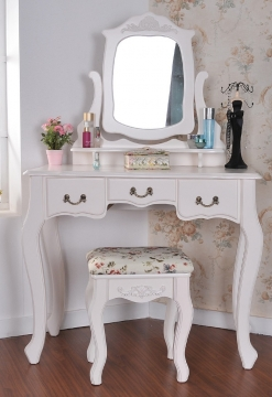 Stylish Design Ideas for Your Vanity Table Picture